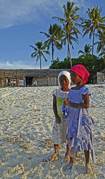 ENFANCES DU MONDE Olivier Tardiveau Photographe Nantes étonnante Nungwi Zanzibar b4-42
