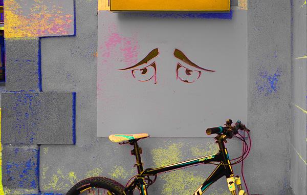 Street Art Olivier Tardiveau Photographe Nantes étonnante sourire vélocipédique rue de l'Arche Sèche a11-4